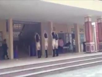 Cư dân mạng tranh cãi về clip nhảy gợi cảm ở trường THPT: 'Cấp 3 rồi, có phải con nít đâu mà phản cảm'