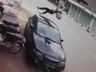 Clip nữ sinh bị ô tô hất văng lên cao nhiều mét gây tranh cãi trên mạng xã hội