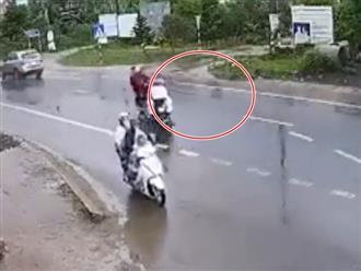 Rùng mình clip xe máy 'cõng 3' bị hất văng trên đường, 2 người tử vong tại chỗ