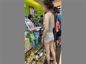 Diện đồ hở bạo nhưng không mặc áo lót, cô gái khoe trọn 'ngực mướp' khiến cộng đồng mạng ngượng ngùng
