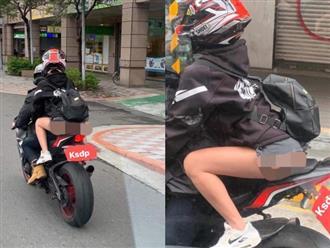Cô gái mặc quần ngắn ngủn, khoe trọn bờ mông khi ngồi xe máy khiến dân mạng ngán ngẩm: 'Khỏi mặc luôn cho nhanh'