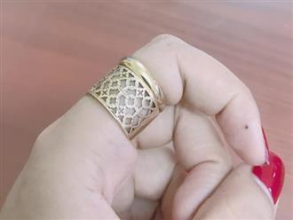 Cô nàng đến nhà bạn thân ăn cưới linh đình nhưng chỉ tặng lại chiếc nhẫn giả khiến cộng đồng mạng tranh cãi
