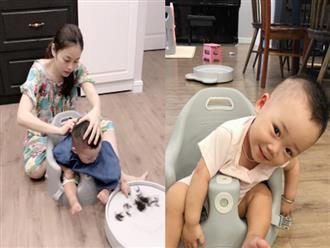 Không chỉ được chăm sóc, con trai Bella còn được hot mom Hằng Túi tự tay cắt tóc, tân trang ngoại hình