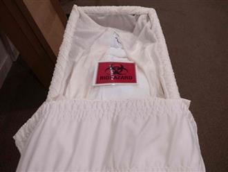 """COVID-19: Nhà tang lễ New York hỗn loạn, nhân viên không thể ngủ ngon vì những """"cơn ác mộng"""" đeo bám"""