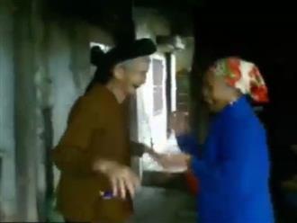 Clip: Hai cụ bà U80 'quẩy' tưng bừng trong ngày cưới của cháu khiến cư dân mạng 'bấn loạn'