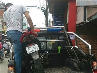Người mặc áo Grabbike đâm người sau va chạm giao thông