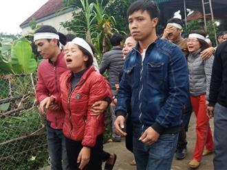 Đám tang nữ sinh lớp 12 bị bạn trai đâm nhiều nhát, giấu xác trên núi: Mẹ gào khóc van xin 'Con ơi! Về với mẹ đi con!'