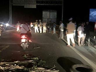 Đâm vào đuôi xe tải đỗ bên đường, nam thanh niên 20 tuổi tử vong tại chỗ