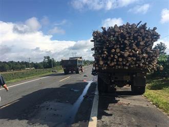 Đau lòng cảnh đôi vợ chồng chết thảm dưới bánh xe tải trên đường đi cạo mủ cao su