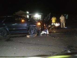 Xót cảnh thai phụ cùng con trai 4 tuổi tử vong dưới bánh ô tô, chồng nguy kịch sau va chạm