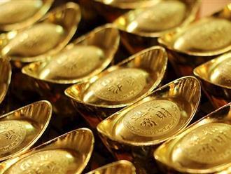 Giá vàng hôm nay 25/4: Xuống mức thấp nhất