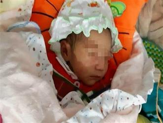 Góc xót xa: Bé gái 1 tuần tuổi tím tái vì bị cặp nam nữ bỏ rơi trong đêm rét căm căm