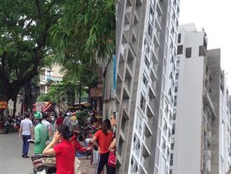 Hà Nội vừa xảy ra rung lắc mạnh, nhiều người dân hoảng hốt lao ra khỏi các tòa nhà cao tầng