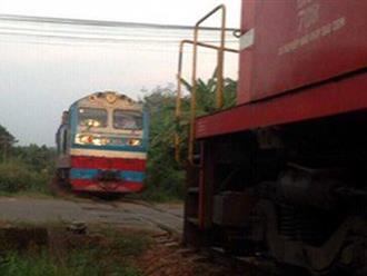 Hai tàu hỏa suýt tông nhau kinh hoàng trên tuyến đường sắt Bắc - Nam