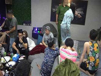 """Hàng chục """"dân chơi"""" thác loạn ma tuý tập thể trong căn phòng ở toà nhà cao tầng trung tâm Sài Gòn"""