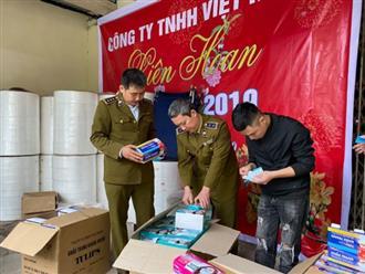 Hàng trăm nghìn khẩu trang y tế bị làm giả từ... giấy vệ sinh giữa dịch Covid-19 ở Hà Nội