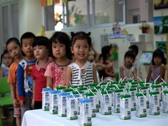 Hàng triệu ly sữa học đường cung cấp cho trẻ em thủ đô Hà Nội mỗi ngày