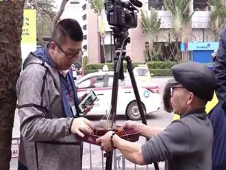 Hội nghị thượng đỉnh Mỹ - Triều: Ông chú Hà Nội phát trà đá miễn phí cho phóng viên, cô bán hàng tặng bạn bè quốc tế chiếc mũ Việt Nam