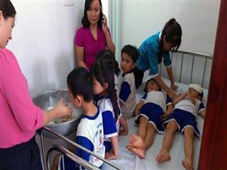 Vụ hơn 70 học sinh nghi ngộ độc sữa Nutifood: Học sinh nhập viện xong mới cho tập huấn
