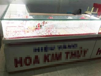 Truy tìm kẻ bịt mặt cướp tiệm vàng ở Quảng Nam
