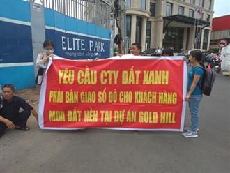 Khách hàng kéo đến trụ sở Đất Xanh Group đòi sổ đỏ dự án Gold Hill