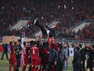 Khoảnh khắc bật khóc ăn mừng chiến thắng của tuyển Việt Nam