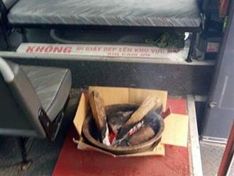 Khoe ảnh đốt củi trên xe khách cho ấm, tài xế bị cư dân mạng 'nướng' khét lẹt