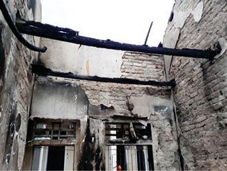 Hà Tĩnh: Khu nhà tập thể giáo viên bất ngờ bốc cháy
