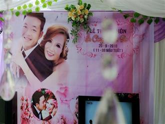 Khung cảnh đám cưới lãng mạn trong giờ phút cô dâu 61 tuổi chuẩn bị lên xe hoa về nhà chồng 26 tuổi
