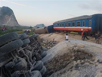 Nóng: Lật tàu hỏa ở Thanh Hóa, hơn 10 người thương vong