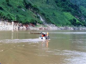 Lật thuyền chở 10 người ở Lai Châu, 3 người mất tích do đâu?