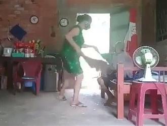Long An: Nghi án mẹ già bị con gái chửi bới, đánh đập, đổ rác lên đầu