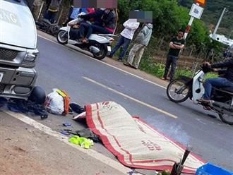 Xúc động: Mẹ liều chết ôm con vào lòng che chắn khi va chạm giao thông