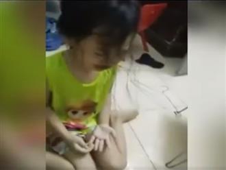 """Mẹ phát trực tiếp cảnh đánh con gái 4 tuổi chảy máu rồi hô: """"3000 người sẽ xem clip này"""""""