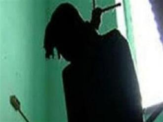 Một cán bộ Bệnh viện Y học cổ truyền Bộ Công an treo cổ tự tử tại nhà
