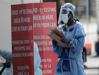 Mỹ: 60.000 ca mắc COVID-19 một ngày, nhiều bang áp dụng lệnh hạn chế, đóng cửa trở lại