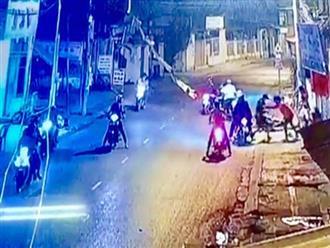 Nghe vợ kể có mâu thuẫn, nam thanh niên cùng nhóm đối tượng mang theo hung khí truy sát nhầm 3 người ở Sài Gòn