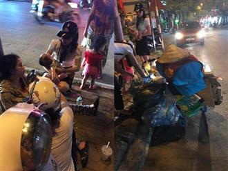 Xót xa người phụ nữ bế con 4 tháng nhặt ve chai, xỉu vì đói: 'Cùng là kiếp người, sao chị khổ đến thế'
