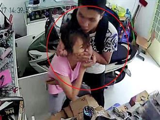 Từ chợ về nhà, người phụ nữ bị khống chế cướp tiền vàng
