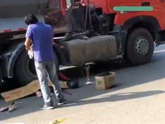 Người phụ nữ chết thảm dưới gầm xe đầu kéo