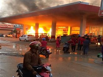 Nguyên nhân vụ cây xăng bốc cháy dữ dội kèm tiếng nổ lớn khiến nhiều người hoảng loạn bỏ chạy thoát thân ở Sài Gòn