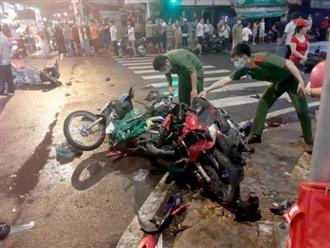 Nhân chứng kể lại giây phút cô gái 22 tuổi lái ô tô đâm 7 xe máy, hàng loạt người bị thương