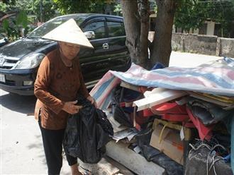 Cảm thương cụ bà 67 tuổi cần mẫn nhặt ve chai nuôi chồng chạy thận