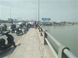 Người đàn ông tự lấy mũ bảo hiểm đập vào đầu rồi nhảy sông Đồng Nai tự tử