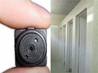 Nữ sinh bất ngờ thấy điện thoại quay lén trong nhà vệ sinh: Công an khôi phục clip dài khoảng 3 phút