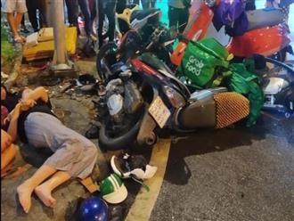 Nữ tài xế lái Camry gây tai nạn, hàng chục người bị thương: Hiện trường kinh hoàng