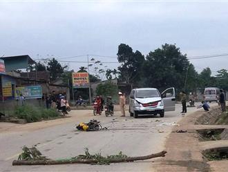 Ô tô và xe máy đấu đầu trực diện, 2 người thương vong