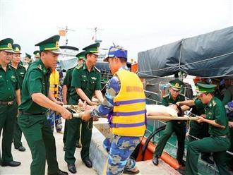 Phát hiện 1 thi thể trong khoang tàu cá bị chìm trên biển Quảng Bình