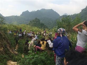 Phát hiện thi thể dưới đèo Thung Khe, nghi giết tài xế cướp xe