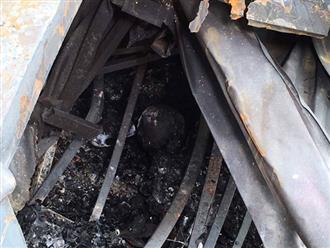 Phát hiện xác chết trong khu nhà trọ bị cháy ở Đê La Thành
